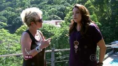 Veja detalhes da casa de vidro da cantora Ana Carolina - A cantora fala de sua carreira: 'Acho que sou uma pessoa de sorte'