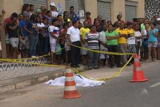 Estudante de 19 anos morre ao cair de ônibus an manhã desta quarta em Simões Filho - Confira esta e outras novidades no giro de notícias esta quarta (09).
