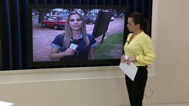 Polícia intensifica a fiscalização dos cambistas em Maringá - Cinco deles que estavam vendendo ingressos para a final do Paranaense foram presos