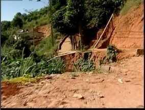 Blitz do MG: Aposentado de 72 anos fica ferido após cair em cratera - Acidente ocorreu no Jardim Floresta em Teófilo Otoni.