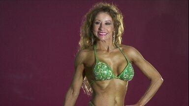 Dieta e malhação transformam vida de mulher de 51 anos - Cláudia Vilaça é advogada e já venceu até uma etapa do Mundial de fisiculturismo