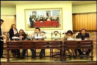 Comissões que investigavam irregularidades na Câmara de Juazeiro do Norte são arquivadas - Parlamentares discutem a posse da suplente do vereador afastado Zé de Amélia Júnior.