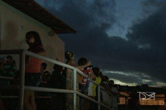 Pacientes passam drama para marcar consultas e exames na rede pública de saúde em São Luís - Pacientes esperam meses para conseguir marcar consultas e exames médicos pelo SUS. Até quem passa a noite na fila, corre o risco de voltar para casa sem conseguir atendimento.