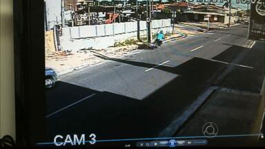 JPB2JP: Tentativa de assalto com refém no bairro de Jaguaribe na Capital - Câmeras de segurança gravaram toda a ação do bandido.