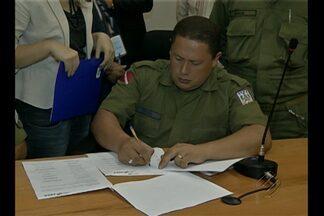 Termina paralisação de policiais militares - Um acordo entre o governo e os militares encerrou a paralisação da categoria.