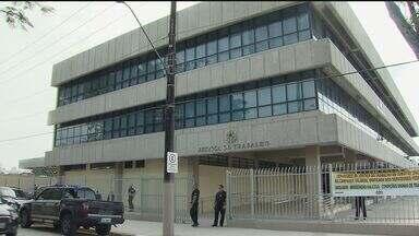 Advogados fazem protesto em Cubatão - Advogados de Cubatão fizeram um protesto nesta quarta-feira (9) na inauguração do prédio da Justiça do Trabalho na cidade.