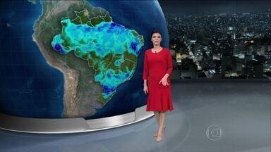 Previsão é de pouca chuva na maior parte do Sudeste nos próximos dias - Nesta quinta-feira (10), deve chover forte em várias regiões do Brasil: entre o norte do Rio Grande do Sul e o oeste do Paraná. Do norte da Bahia a Alagoas e no Acre.