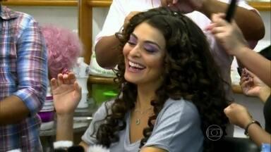 Vídeo Show acompanha Juliana Paes em dia de gravação de 'Pedacinho' - Atriz interpreta Catarina na novela das 18h