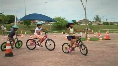 Sorocaba tem escola municipal que ensina a andar de bicicleta - A escola existe desde 2011 e quase de 18 mil pessoas já participaram das aulas durante este tempo.