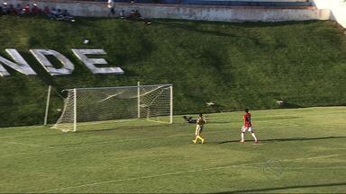 Sergipe vence Canindé: 1 a 0 - Partida ocorreu no Andrezão, em Canindé. Clóves foi o autor do gol da vitória colorada.