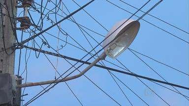 Moradores denunciam ruas sem iluminação em loteamento no Cabo, PE - Assaltos aumentaram na área, em Ponte dos Carvalhos.