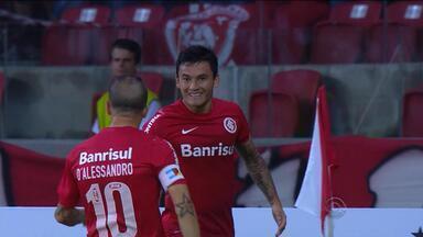 Com gol de Aránguiz, Inter supera Vitória no Beira-Rio na estreia pelo Brasileirão - Gol foi marcado em passe de D`Alessandro.