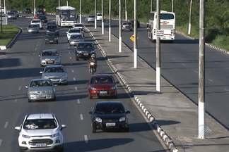 O movimento na Estrada do Coco é intenso nesta segunda (21) - Apesar do fluxo, a volta para casa não teve transtornos na rodovia.