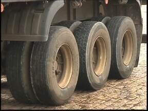 Inmetro fiscaliza empresas de pneus no noroeste paulista - Um dos itens mais importantes para garantir uma viagem tranquila são os pneus. Desde 2012, empresas que fazem reforma em pneus são obrigadas a ter certificação do Inmetro. Mas, dois anos após regulamentação, somente 60% das empresas são regularizadas