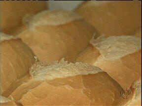 Preço do pãozinho sobe por causa da queda na produção de trigo - Agora, o maior volume do grão precisa ser importado dos Estados Unidos. Aumento no custo de transporte reflete no preço do pão.