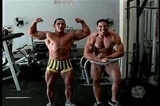 Fisicuturismo é um esporte passado de pai para filho em Petrolina - Atletas treinam forte para ganhar medalhas