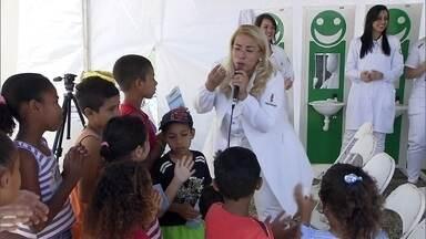 Ação Global está em Brazlândia - Neste sábado (26), acontece a Ação Global em Brazlândia. A população pode passar por consultas médicas, por dentistas, pode aprender uma nova profissão e ter bons momentos de diversão.