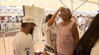 Ação Global oferece serviços para moradores do Barreiro - Evendo é realizado no Vale do Jatobá