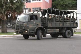 Homens do Exército e da Força Nacional começam a deixar Salvador - A operação de segurança por conta da greve da PM na Bahia foi encerrada e grupo deixou a cidade.