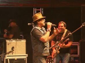 Primeira noite do 'Viva Dominguinhos' teve público animado - Festival começou nesta sexta-feira (25), em Garanhuns.