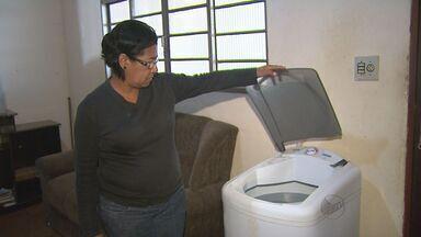 Moradores reclamam da falta de água em Dobrada - Problema persiste há mais de duas semanas, afirmam moradores