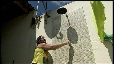 Moradores do Itapoã ficam sem água - Segundo a Caesb, o problema acontece porque o sistema que encher os reservatórios do Itapoã é movido a energia elétrica. Então, se falta luz, também falta água.