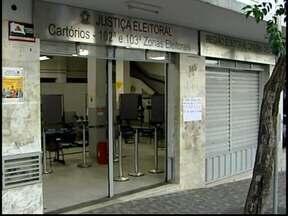 Cartório de Divinópolis dá plantão para resolver pendências eleitorais - Prazo para regularizar situação eleitoral termina no dia 7 de maio.Esquema continua no dia 27, no feriado (1º), sábado (3) e domingo (4).