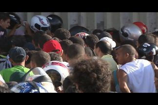 JPB2JP: Confusão na troca de ingressos para jogo do Botafogo - Tumulto no Almeidão.