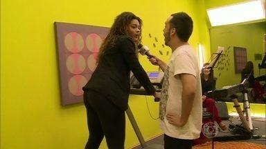 Juliana Alves corre na esteira para cantar melhor no Artista Completão - Vídeo Show acompanha os ensaios do time de estrelas que participa do quadro do Domingão
