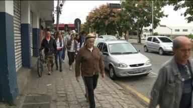 Caminhada Cultural vai até amanhã em Curitiba - Que tal combinar exercício com turismo?