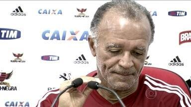 Flamengo recebe Palmeiras e Jayme procura solução para falta de gols no Brasileirão - Treinador do time campeão carioca busca soluções para as poucas oportunidades criadas no torneio até agora.