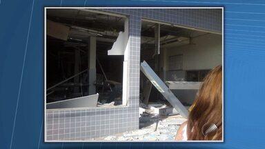 Agência bancária é explodida na cidade de Ibicuí - Segundo moradores, cerca de de 15 homens armados cometeram o crime. A agência ficou quase toda destruída.