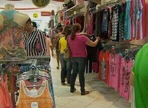 Comércio de Caruaru espera aumentar vendas de presentes para o Dia das Mães - Filhos devem presentear com roupas, sapatos e aparelhos eletrônicos.