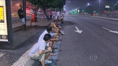 Greve de motoristas dificulta circulação de ônibus no RJ - Segundo o Sindicato das Empresas do Rio, só 24% dos ônibus circularam. Grupo que aderiu à paralisação não concordou com aumento salarial de 10%.