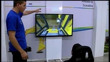 Exposição do Senai mostra o que existe de mais moderno na formação de profissionais - O ambiente virtual com simuladores 3D chamaram a atenção dos jovens.