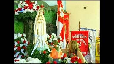Católicos homenageiam Nossa Senhora de Fátima - Para católicos, mês de maio é tradicionalmente dedicado à Maria.
