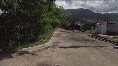 Prazo dado pela prefeitura esgota e moradores do Gleba II cobram melhorias no bairro - Obras começaram, mas segundo a população os materiais foram largados