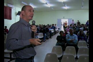 Fórum sobre agrotóxicos discute as novas alterativas para a agricultura - Cerca de 250 pessoas entre estudantes e produtores rurais estiveram presente em Fortaleza dos Valos, RS.