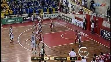 No basquete, São José venceu Paulistano com diferença de quase 30 pontos - Armador Manny Quezada foi destaque na partida. Com resultado, série está empatada em 2 a 2.