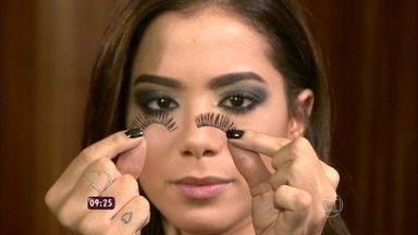 Anitta ensina passo a passo da sua maquiagem no Mais Você - Cantora fala do resultado das plásticas com Ana Maria