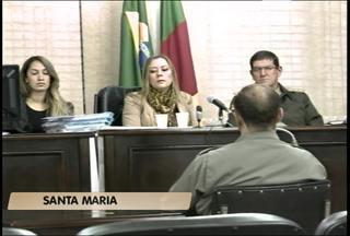 Três bombeiros são ouvidos na Justiça Militar sobre o caso Kiss em Santa Maria (RS) - As testemunhas de defesa esclareceram dúvidas sobre o efetivo do comando de bombeiros e sobre o funcionamento da emissão de alvarás.