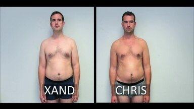 Gêmeos passam por experiência com dietas de gordura e açúcar - Domingo, no Fantástico, uma experiência vai dar a resposta definitiva. Dois médicos, gêmeos idênticos, fizeram o teste. Durante um mês, um se entupiu de açúcar; o outro se acabou na gordura.