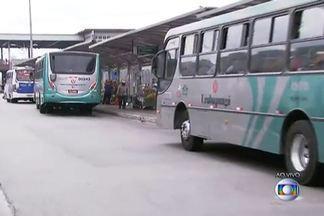 Tribunal Regional do Trabalho julga nesta tarde dissídio coletivo dos motoristas de Osasco - Viação Urubupumgá tem 80% da frota circulando. Da Viação Osasco, dos 177 ônibus, apenas 26 estão atendendo os passageiros.