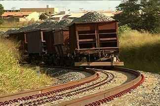 Dilma Rousseff inaugura trecho da Ferrovia Norte-Sul - Obras nesse trecho duraram 27 anos.