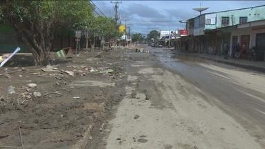Comerciantes da região central de Porto Velho começam a reformar os lojas atingidas - A cheia deixou muitos estragos em alguns comércios.