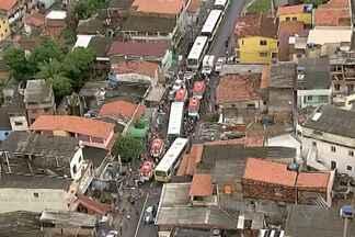 Ônibus que bateram de frente ainda irão passar por perícia em Salvador - Acidente deixou mais de 20 feridos em São Caetano.