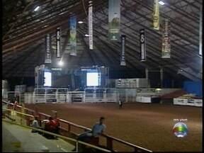 Arena Rodeo Festival começa nesta quinta-feira - Festa deve reunir montarias e shows durante quatro dias.