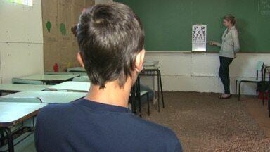 Profissionais de saúde visitam escolas e creches para fazer consultas com crianças - Escolas escolhidas são em áreas consideradas vulneráveis, alunos fizeram exame de vista e atendimento odontológico.