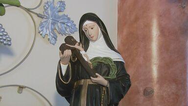 Fiéis celebram dia de Santa Rita de Cássia - Fiéis celebram dia de Santa Rita de Cássia