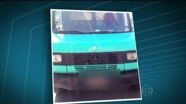 Perseguição na Avenida Brasil termina com um morto - Na manhã desta sexta-feira (30), uma perseguição na Avenida Brasil terminou com um morto, um baleado e um preso. Um bandido rendeu o motorista de um caminhão que transportava calçados.